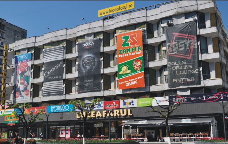 Galati centru, inchiriere spatiu comercial Luceafarul Mall, fatada cladire