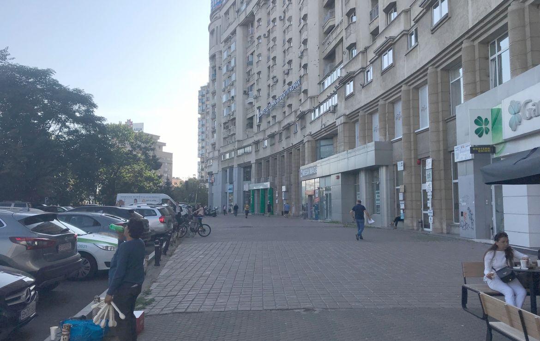 Bucuresti centru, spatiu comercial de inchiriat Piata Victoriei, imagine laterala